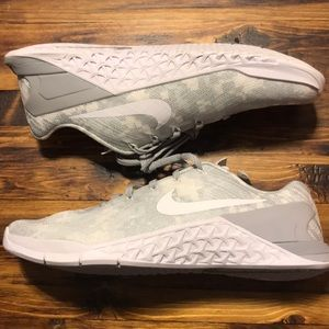 Nike metcon 3 amp grey gray digital camo